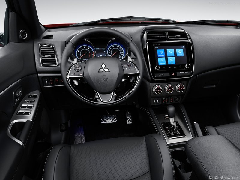Mitsubishi ASX interni plancia caserta